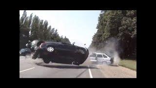 Download NAJLUDJI RUSI! Ludi Ruski Vozaci Prave Saobracajne Nesrece KOMPILACIJA Video