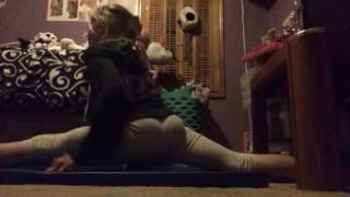 Download Trying my splits! Video