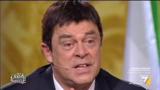 Download Crozza-Renzi in 'Caro Matteo, che cos'è il Matteo Risponde?' Video