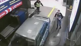 Download Russian real GTA / Погоня за лихачом в казанском аэропорту, таран терминала Video