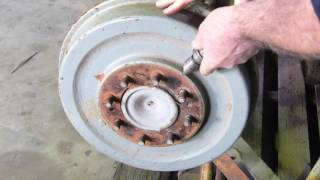 Download Ferguson TEA20, 35, 135, 148 etc Brake Drum Screw Removal Video