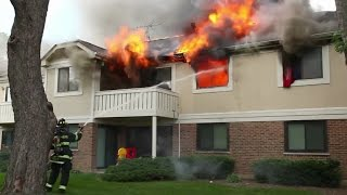 Download Mike Wulf - Full Version House Fire - Thornhill Court, Schaumburg, IL July 16, 2013 Video