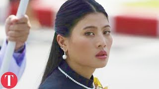 Download Inside The Lives Of Thailand's Royal Family Video