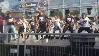 Download Maître Gims - Boucan ft. Jul, DJ Last One / Pacific School Video