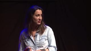 Download Construir ciudad desde la emoción/build the city from the emotion | Pilar GOYCOOLEA | TEDxElArrayán Video