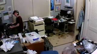 Download Live video - 7.8 earthquake, Nov 14 2016 - house shaking in Wellington, New Zealand Video