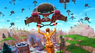 Download WHEN 100 PLAYERS LAND at TILTED TOWERS in FORTNITE Video