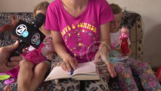 Download Пристигна помош за семејството Мурати: Ерзана и Елиза со насмевка на лицата Video