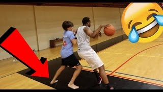 Download 1 VS 1 Basketball 14 Year Old Harrasing Bully! HE PLAYED BAREFOOT WTF LMFAO! Video