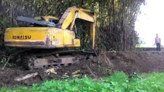 Download Bego, Excavator, Alat Berat Keruk Sungai Video