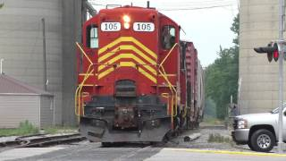 Download highhood GP9 creeps down bad track on the ND&W Railway Video