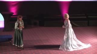 Download Cosplay de La Reine de Neiges Video