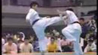 Download ″Kyokushin Karate″ KO (high kick) Video