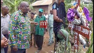 Download Lugola atinga nyumbani kwa kijana aliyefia kituo cha Polisi, afanya maombi Video