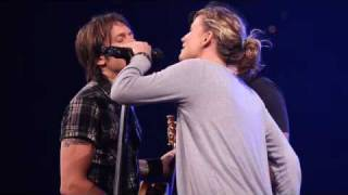 Download Keith Urban, Sugarland sing Seven Bridges Road by The Eagles Video