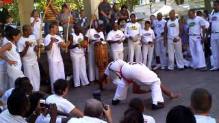 Download ABADÁ-CAPOEIRA Luxemburgo 2010 Pelezinho & M. Charm Video