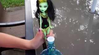 Download Monster High Dramah: Skulladin (feat. Create-A-Monster) Video