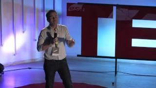 Download Τι δεν σου είπαν στο σχολείο για τον επαγγελματικό προσανατολισμό | Spyros Michaloulis | TEDxAUEB Video