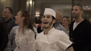 Download We Will Rock You musical Hungary flashmob - Continental Hotel Budapest Video