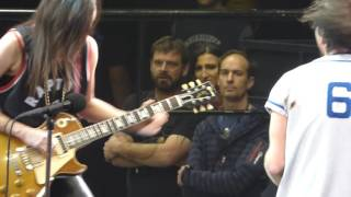 Download Pearl Jam - Rockin In The Free World w/Donna Grantis - Toronto (May 10, 2016) Video