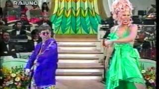 Download Elton John 1994 - Sanremo - Don't go breaking my heart Video