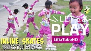 Download Lifia Niala main sepatu roda anak roller skate inline skate di taman Video