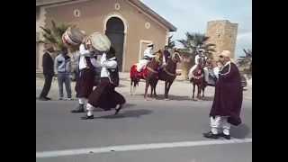 Download فرقة الفنون الشعبية بحيدرة تقوم بأستعراض مبهر بمناسبة مرور 2000 سنة على تأسيس مدينة أميدرة Video