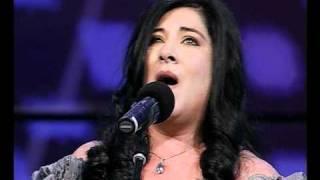 Download INCREIBLE!!! miren como canta esta mujer! Video