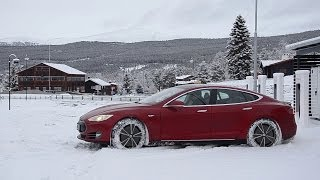 Download Tesla Model S Customer Stories - Winter Driving in Norway Video