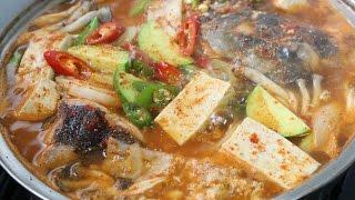 Download Spicy Cod Fish Stew (Dae-gu-maeun-tang) 대구매운탕 Video