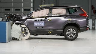 Download 2017 Honda CR-V moderate overlap IIHS crash test Video