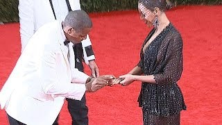 Download Jay Z Adorable Ring Proposal To Beyonce At Met Ball 2014 Video