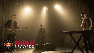 Download FLAWES - Ocean Eyes (Billie Eilish Cover) [Live] Video