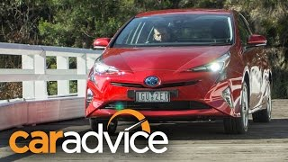 Download 2016 Toyota Prius i-Tech Review Video