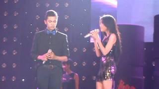 Download Elly Trần bất ngờ khoe giọng hát - Umbrella Party Video