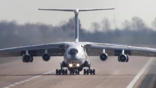Download Ilyushin IL-76 freestyle Landing - Russians don` t care about Centerlines. Video