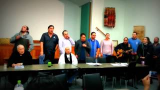 Download HE WAIATA - Te Hatete o te Reo, nā Leon Blake rāua ko Pānia Papa, i tito i te tau, 2009. Video