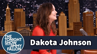 Download Dakota Johnson Drives a Beat-Up 1995 Ford F-150 Video