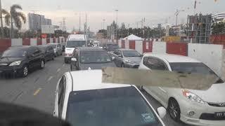 Download Lihat Ambulance malaysia masuk dalam kemacetan Video