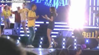 Download Veronica Maya balla e la gonna si alza!!!!! Video
