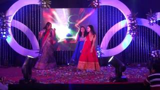 Download Sisters dance at brother's wedding Video