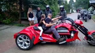 Download BMW Trike Video