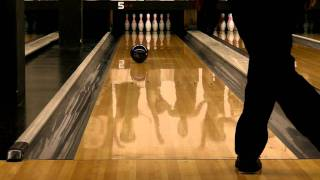 Download MOTIV Quadfire QZ2 bowling ball reaction Video