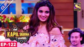 Download Chandu's Romantic Moment With Nidhhi Agerwal - The Kapil Sharma Show - 16th July, 2017 Video