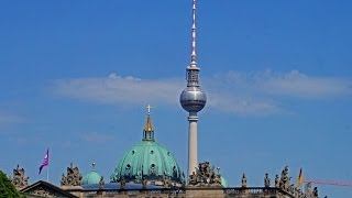 Download Walking in Berlin, Alexanderplatz - Brandenburger Tor Video