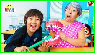 Download Ryan Pretend Play School Learn how to brush Teeth!!! Video
