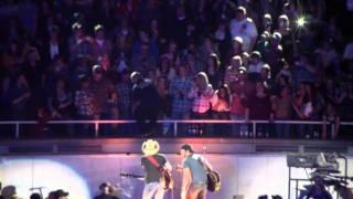 Download Luke Bryan & Jason Aldean talk to a drunk fan Video