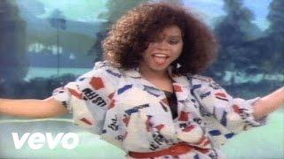 Download Deniece Williams - Let's Hear It for the Boy Video