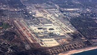Download Incredible Cessna 172 Plane Landing at Los Angeles Airport (LAX)!! Video