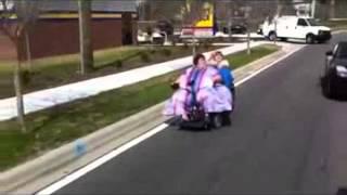 Download Hahaha fette Leute auf einem Rollstuhl Video